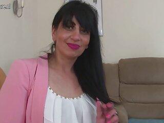 美丽的开放性感的高清视频印地文金发离开的第一个是一个女演员后